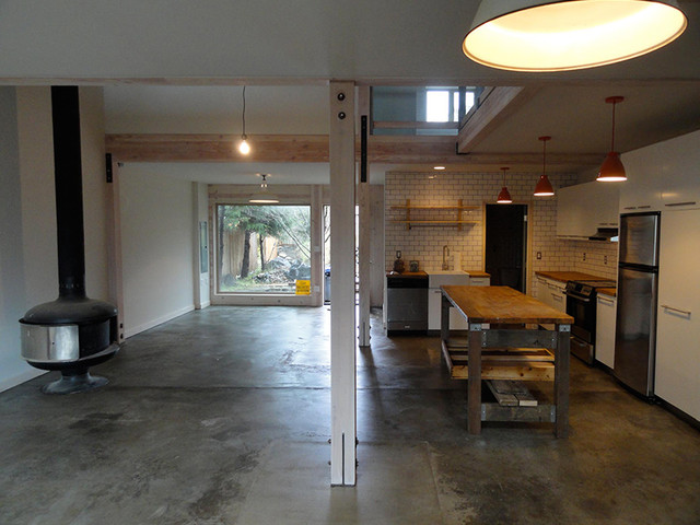 Coastal Barn-Loft rustic-living-room