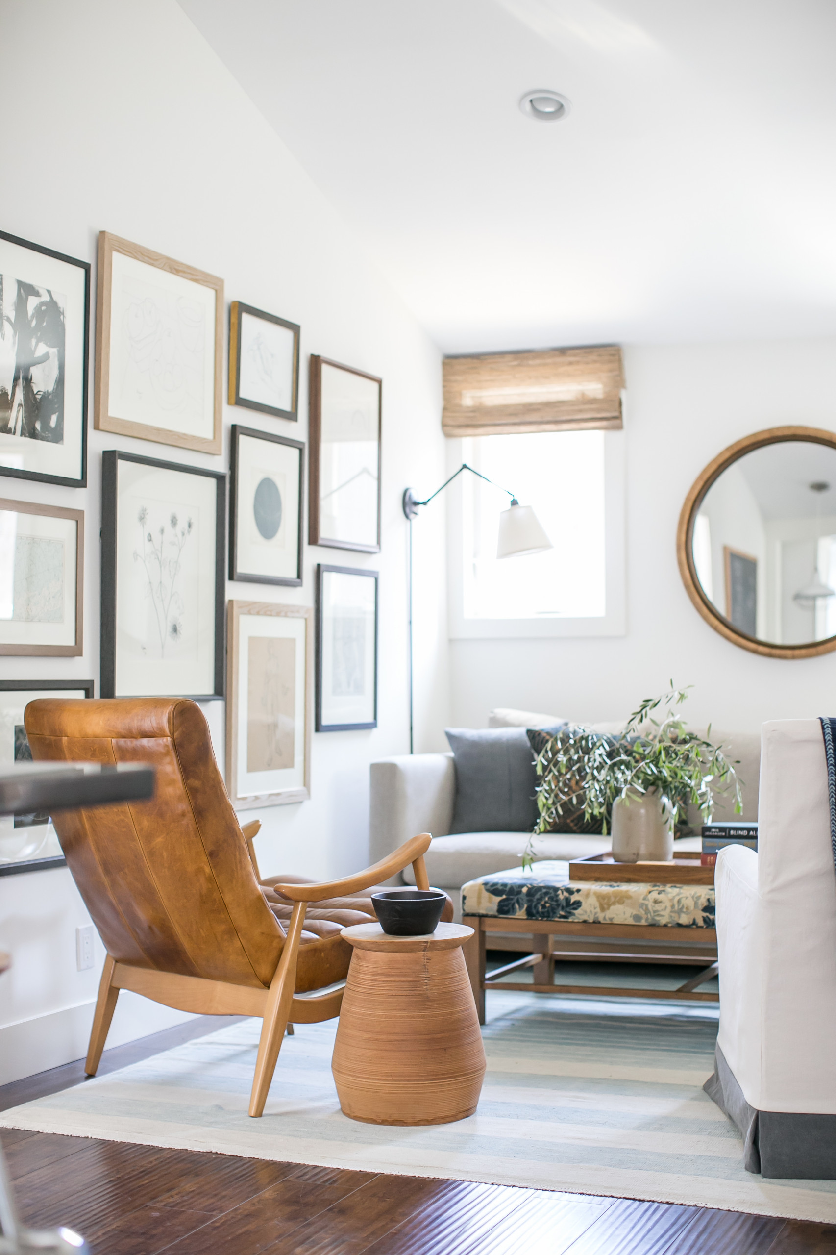 75 Beautiful Small Living Room Pictures Ideas January 2021 Houzz