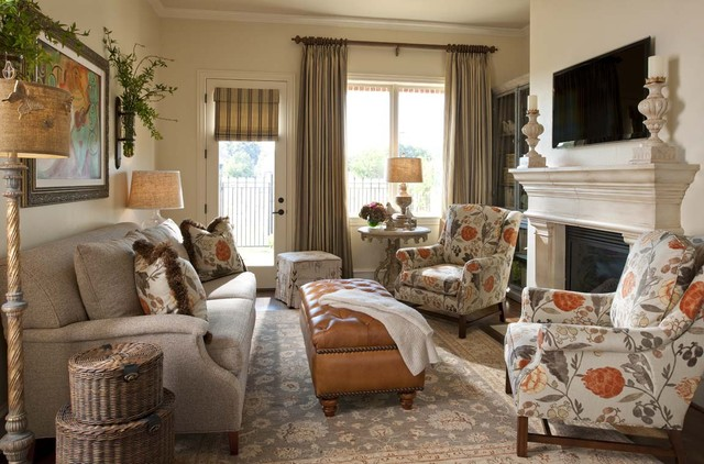 Townhome Living Room Traditional Living Room Dallas
