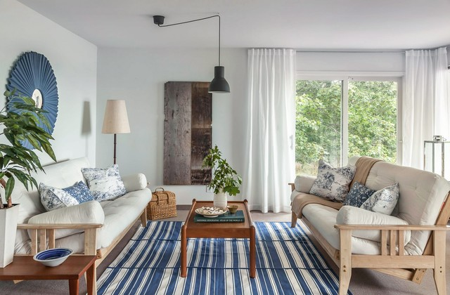 Colliers Cottage Staging beach-style-living-room
