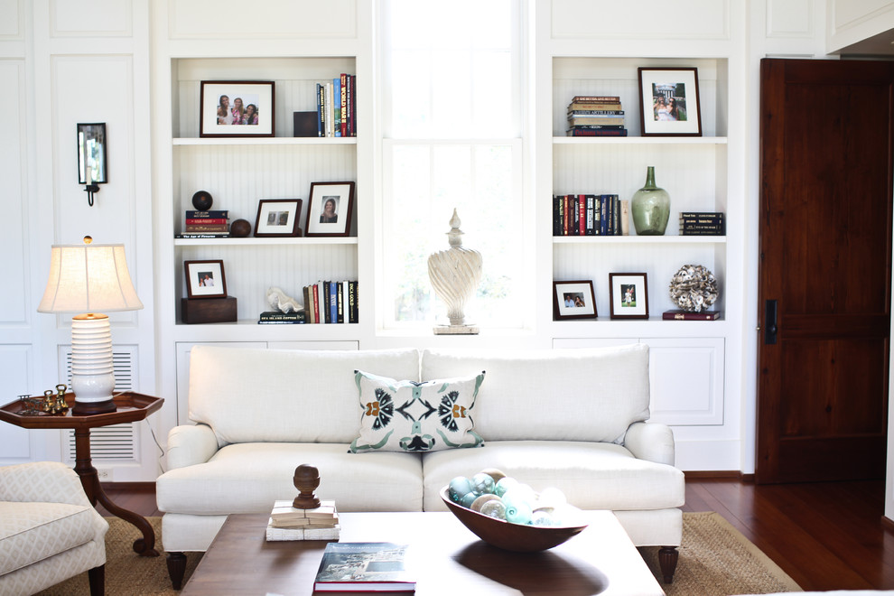 Inspiration for an eclectic living room remodel in Charleston