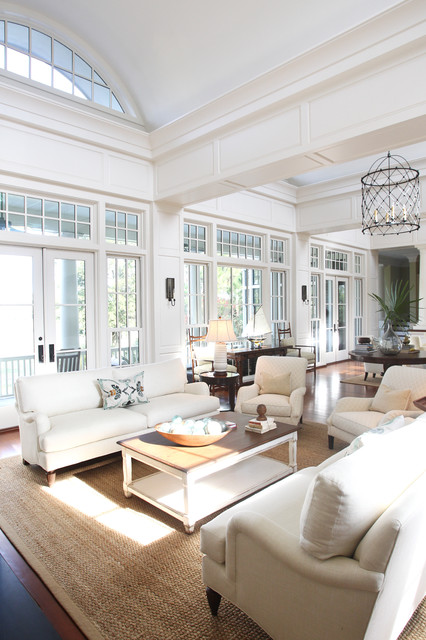 Comfortable luxury traditional living room for Decorating hamptons style living rooms