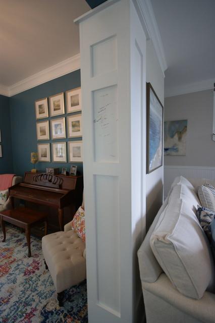 Inspiration for a transitional living room remodel in Atlanta