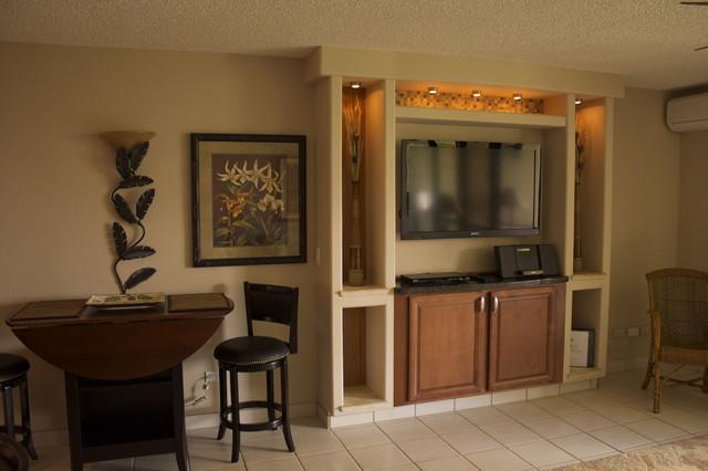 Maui Extreme Makeovers tropical-living-room