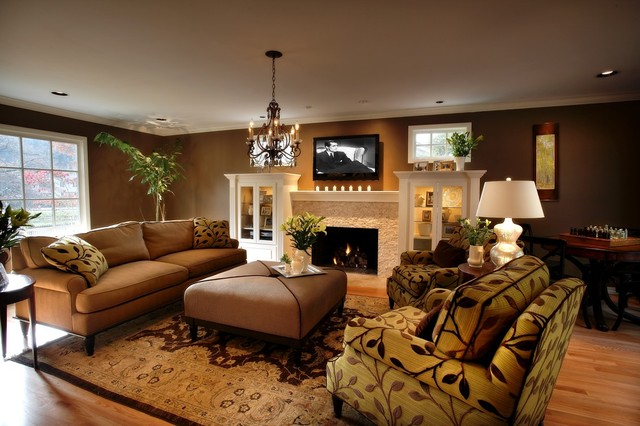 Confort in a living room traditional living room for Sofa by design lake oswego