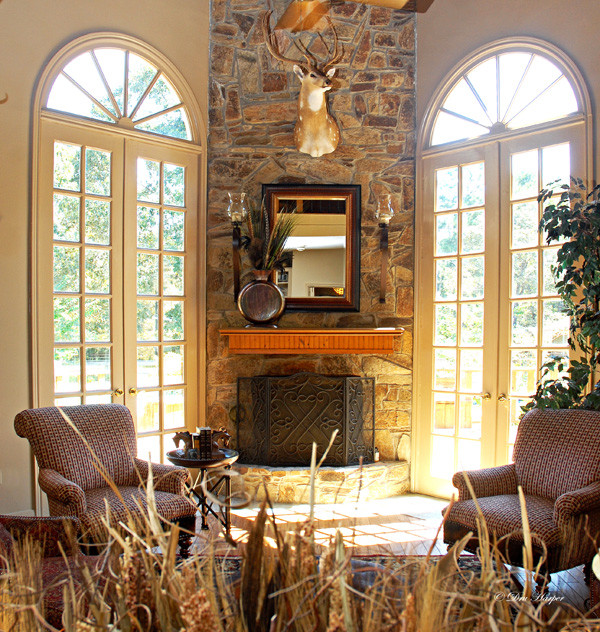 Conroe traditional-living-room