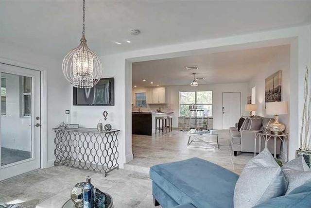 Contemporary Fixer Upper - Modern - Wohnbereich - Miami ...