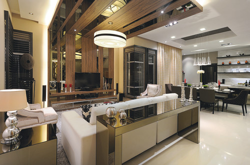 Living Room With Mirror Ceiling Design