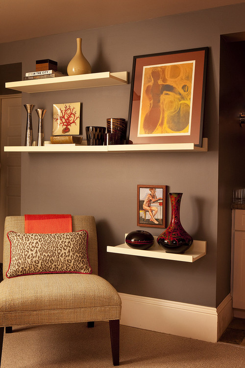 Taming open shelves home interior design ideas for Shelving ideas for living room walls