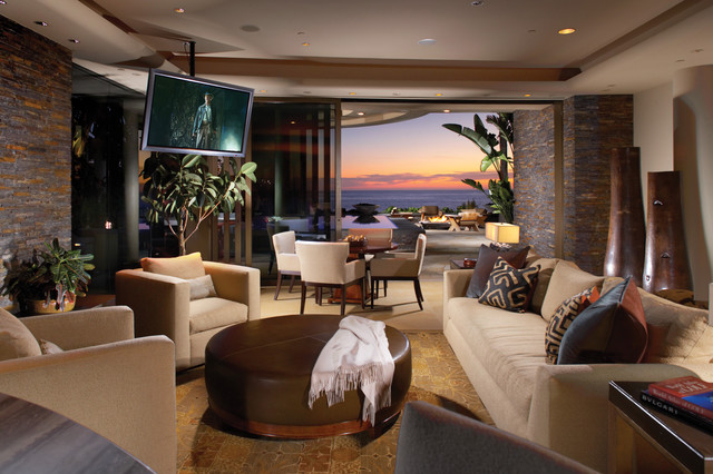 Contemporary Style In Laguna Beach California Tropical