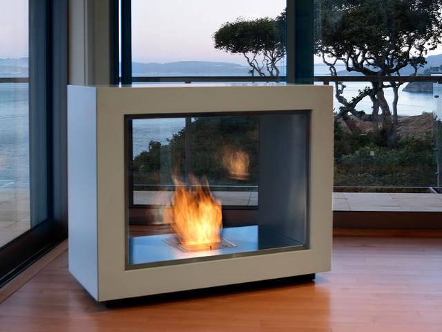 Contemporary Tiburon home modern-living-room