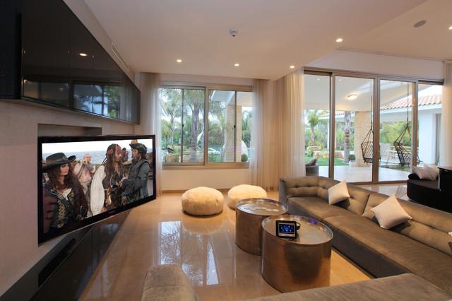 Control Oasis contemporary-living-room