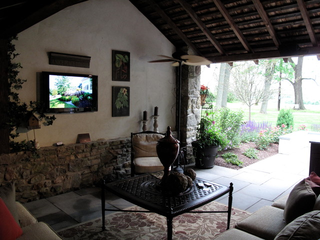 Converted Barn Indoor/Outdoor Entertainment Space ... on Farmhouse Outdoor Living Space id=83091