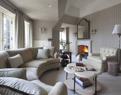 Cotswolds Manor traditional living room