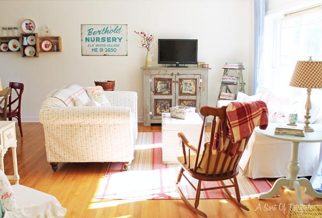 Sala De Estar Vintage ~ Cottage Industry Interiors  Eclectic  Living Room  chicago  by