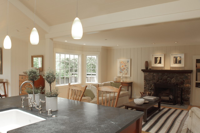 Cottage style home - Traditional - Living Room - san ...