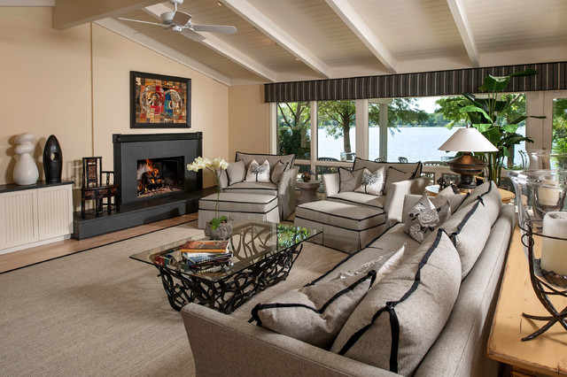 Cottage-style Ranch on the Water contemporary-living-room