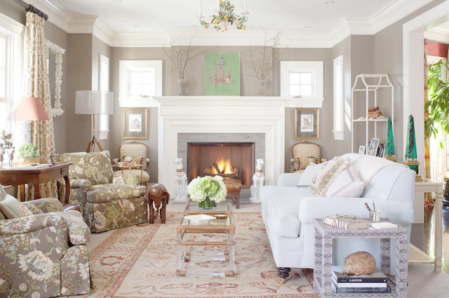 Country Club Classic Traditional Living Room