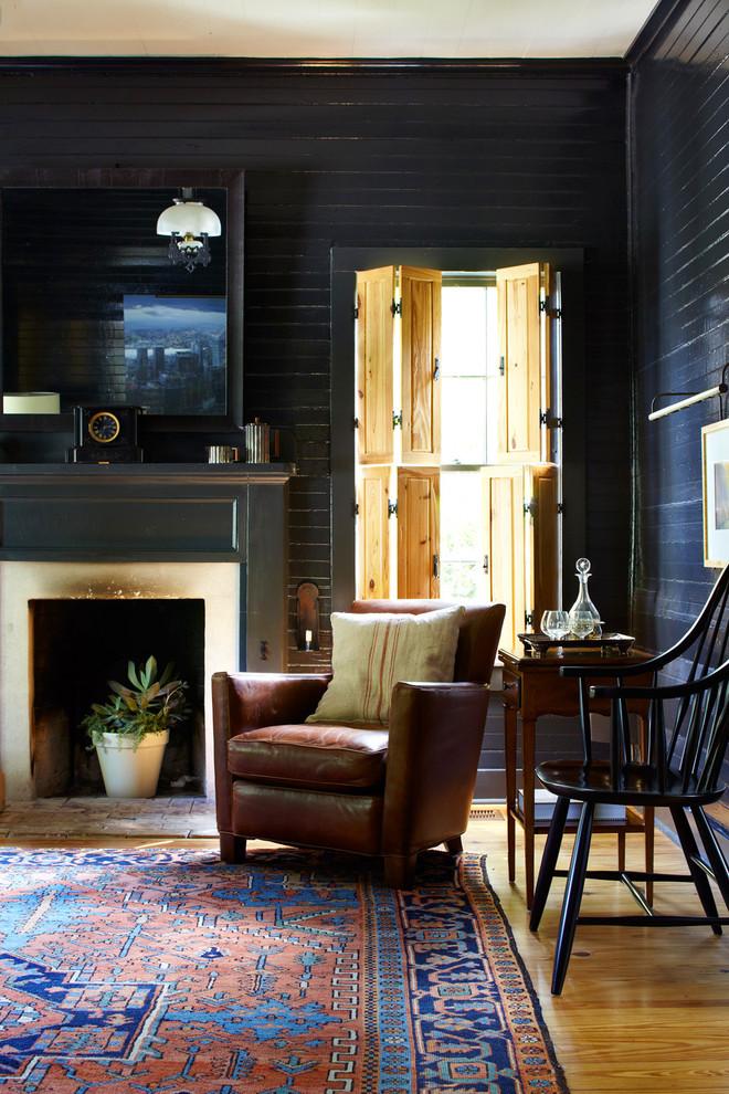 Living room - farmhouse living room idea in Austin