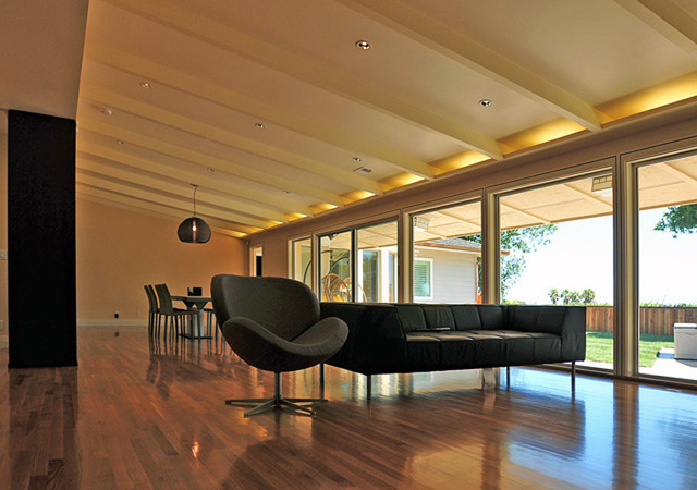 Cove Lights At Sloped Ceiling Modern Living Room San