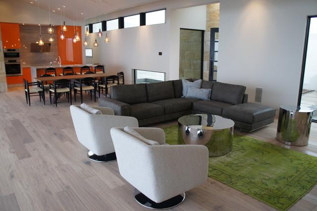Cresta Bella contemporary-living-room