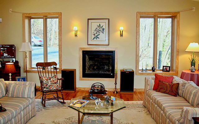 Crozet traditional-living-room