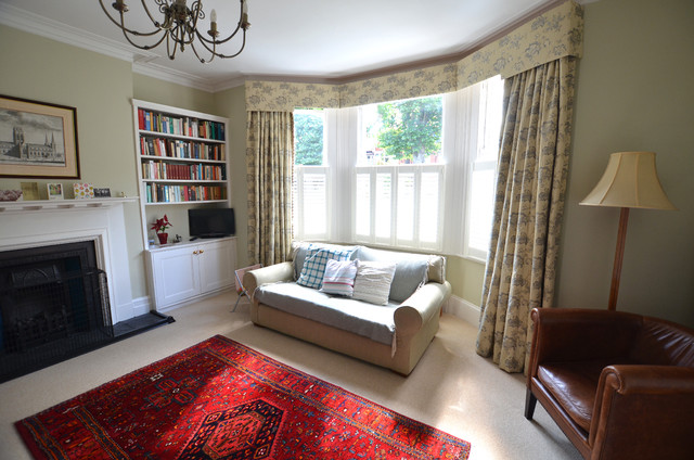 Curtains With A Pelmet In A Bay Window Traditional Living Room Custom Bay Window Living Room Design