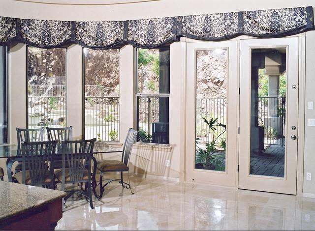 Custom window treatments traditional living room phoenix by carol mickey designs inc for Traditional window treatments living room