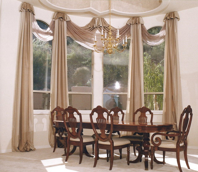 Traditional Window Treatments Living Room: Custom Window Treatments
