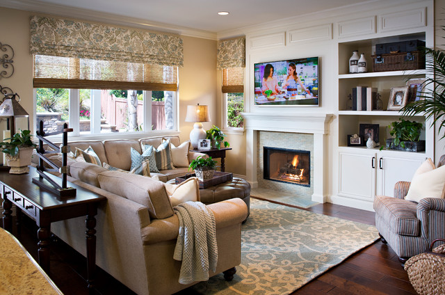 Ruyak traditional living room san diego by style on a shoestring - Inspiring home interior design photos boost ideas arrange room layouts ...