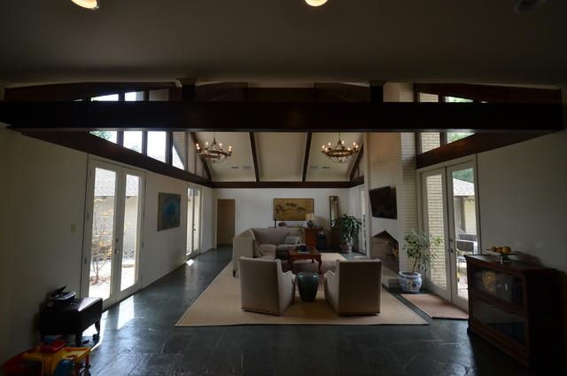DAKMAK Construction contemporary-living-room