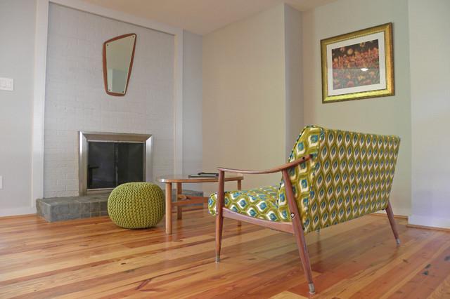 Dallas, TX: Lohse Family contemporary-living-room