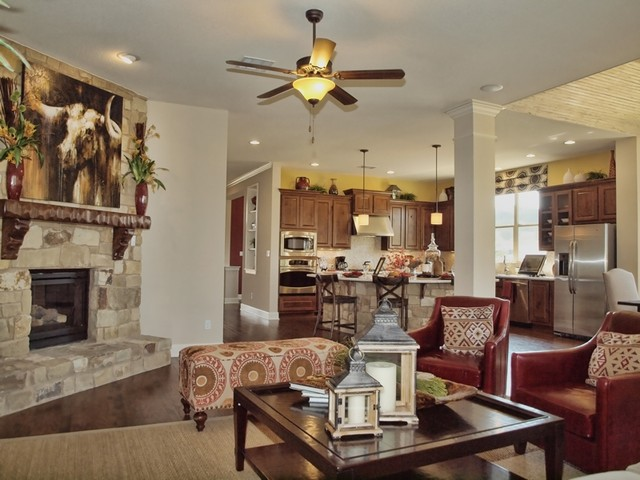 Darby Traditional Living Room Austin By David
