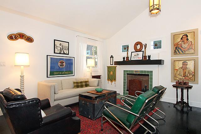De Longpre traditional-living-room