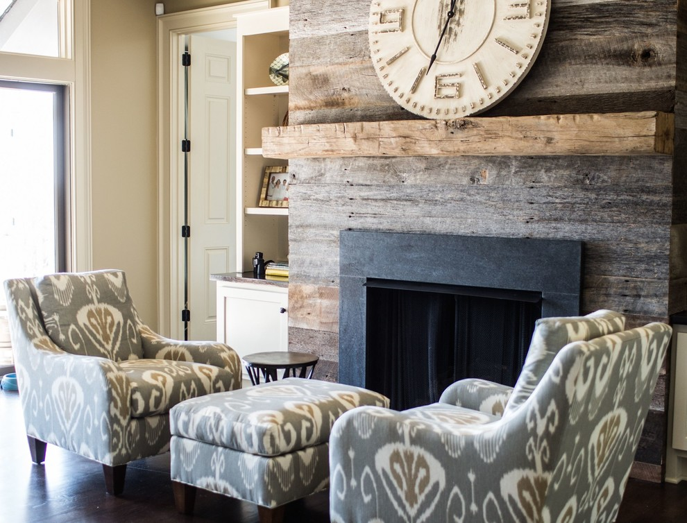Transitional living room photo in Charleston