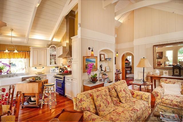 Debra Campbell Design traditional-living-room