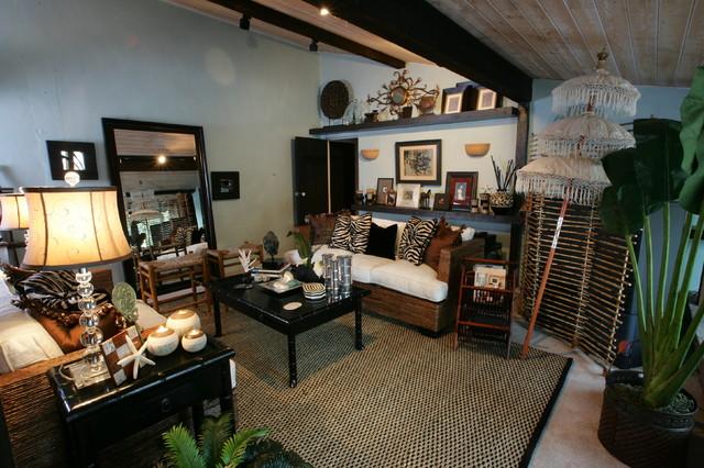 Del Mar Beach House beach-style-living-room
