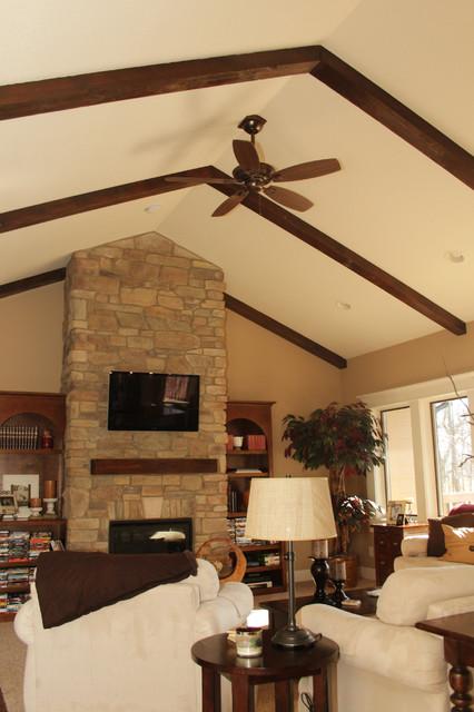 Des Moines Iowa Traditional Living Room Cedar Rapids By Bella Homes