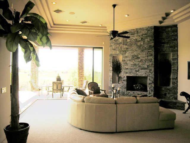 Desert Mountain Golf Club, Scottsdale, Arizona traditional-living-room