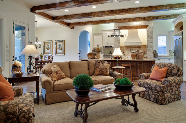 Devonshire Custom Home_English Traditional traditional-family-room