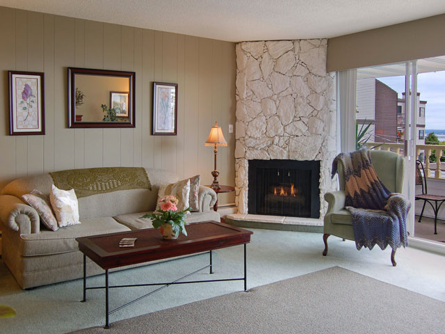 Http Www Houzz Com Photos 351483 Digitalproperties Living Room Samples Living Room Toronto