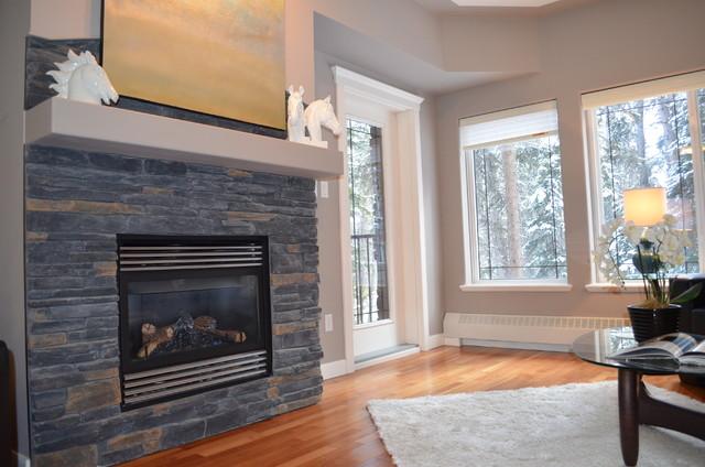 Discovery Ridge Condo contemporary-living-room