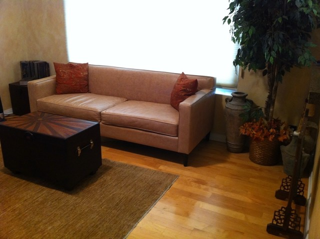 Distressed Brown Leather Sofa W Table