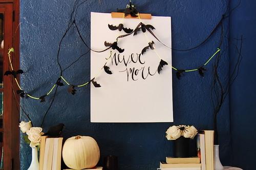 Cheap DIY Fall Decorating Ideas - Bat Garland
