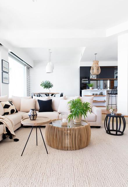 Donna Guyler Design beach-style-living-room