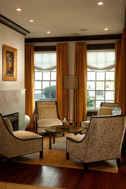 Downtown traditional-living-room