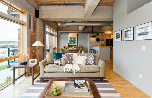 Downtown loft in des moines ia transitional living for Interior design des moines