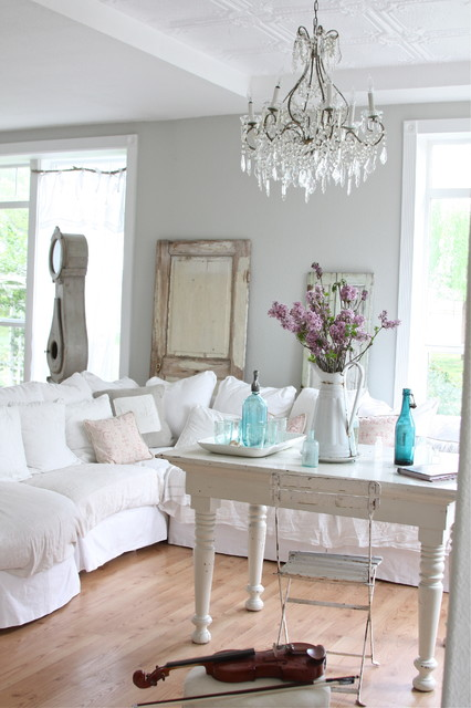 Farmhouse Living Room by Dreamy Whites