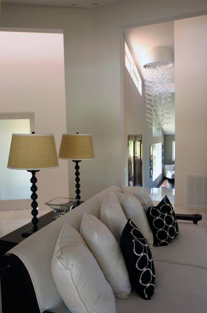 EAGLE LAKE DRIVE contemporary-living-room