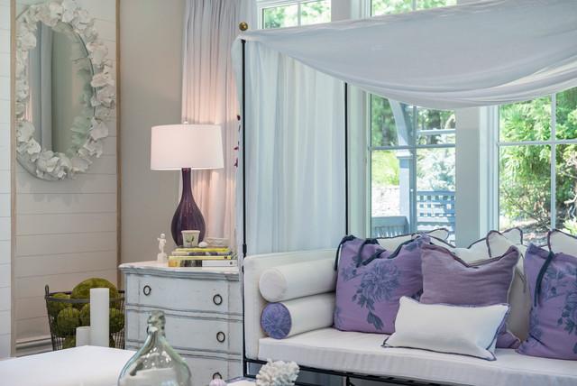 East hampton beach house shabby chic style living room - Green living room ideas in east hampton new york ...